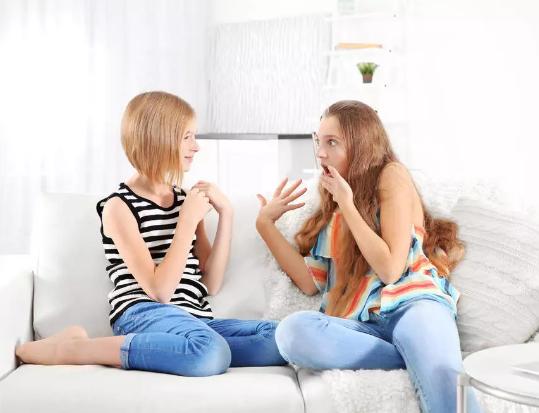 4句实用英语 教你如何礼貌地结束尬聊
