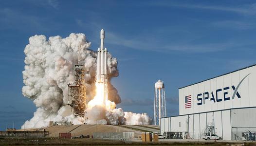 马斯克的SpaceX.jpg