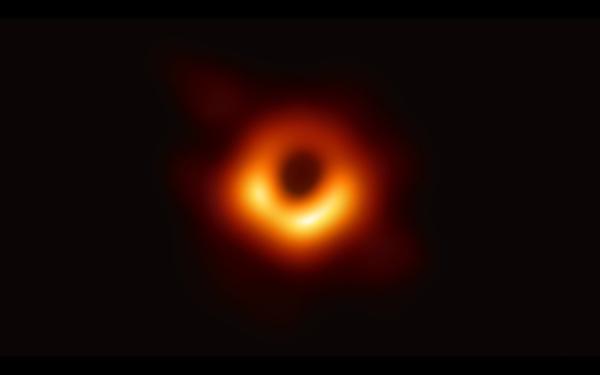人类首次捕获黑洞照片.jpeg
