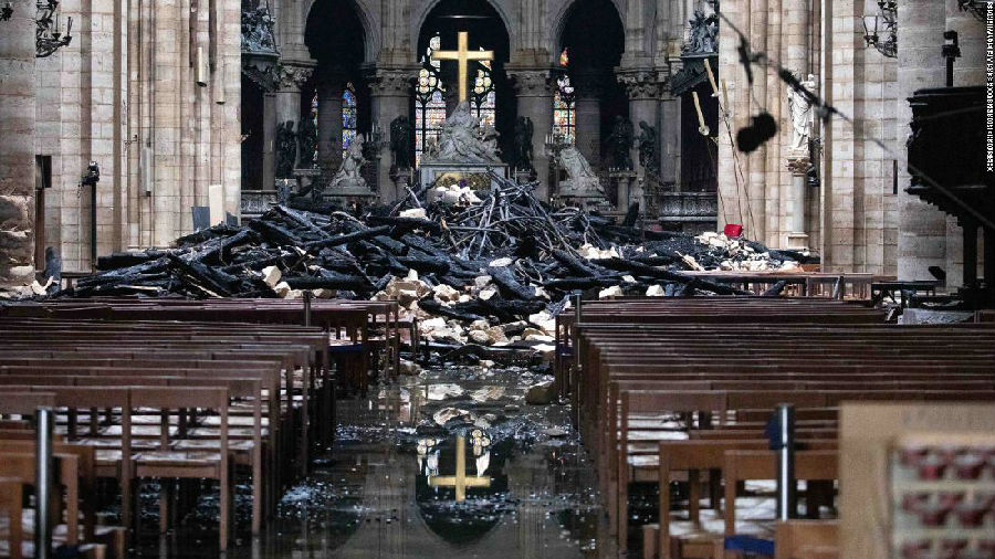 重建巴黎圣母院:创新或复原?.jpg