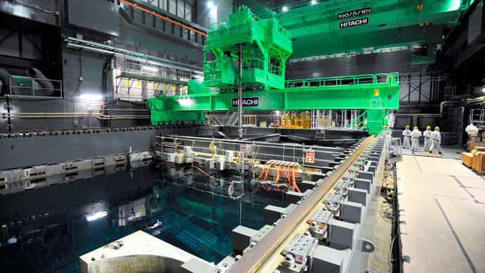 日本开始取出福岛核燃料棒.jpg