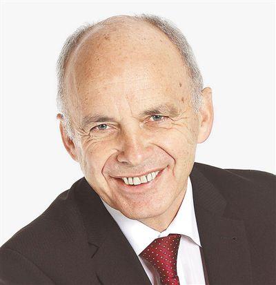 瑞士联邦主席于利·毛雷尔.jpg