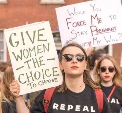 美国阿拉巴马州批准反堕胎法案.jpg
