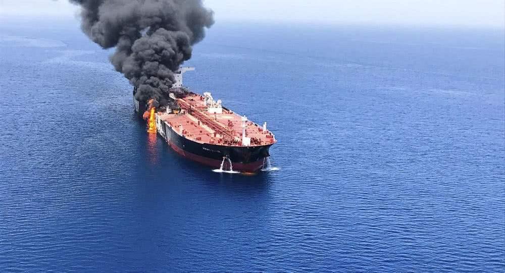 美国指责伊朗袭击阿曼湾油轮.jpg