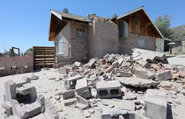 美国加利福尼亚州南部发生7.1级地震.jpg