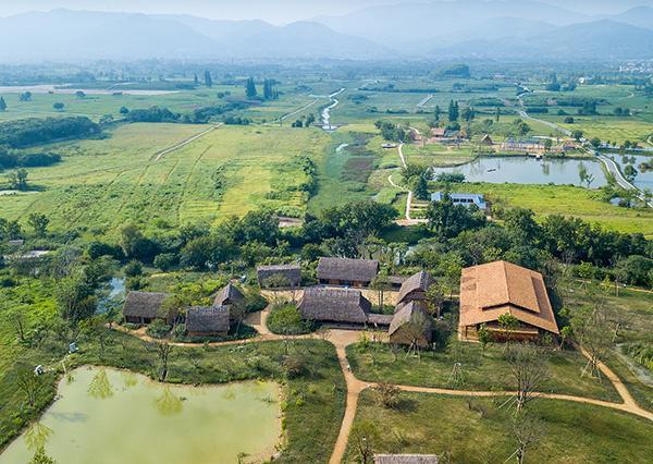 空中俯瞰杭州良渚古城遗址公园.jpeg