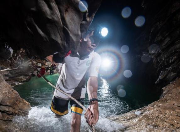 加里曼丹岛的地底洞天