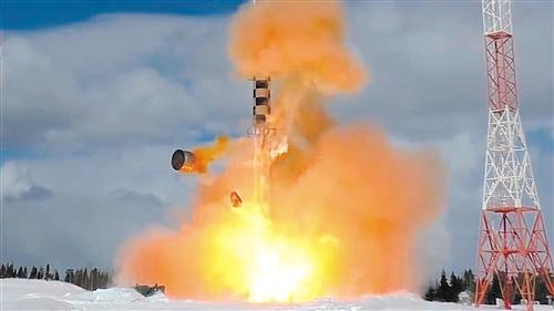 火箭发动机试验爆炸瞬间.jpg