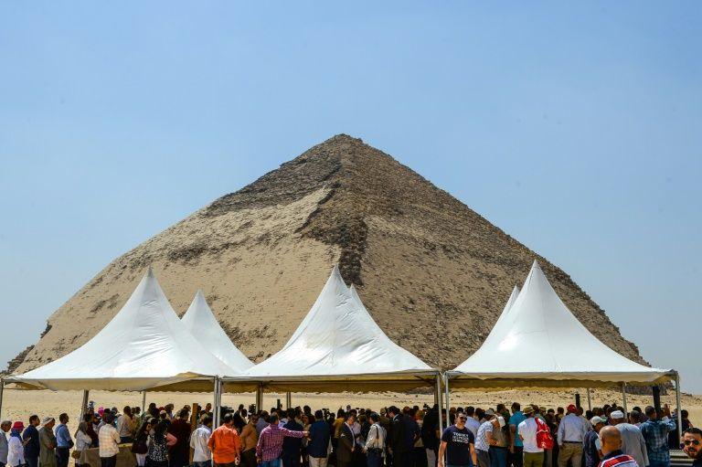 埃及首次开放最古老的金字塔.jpg