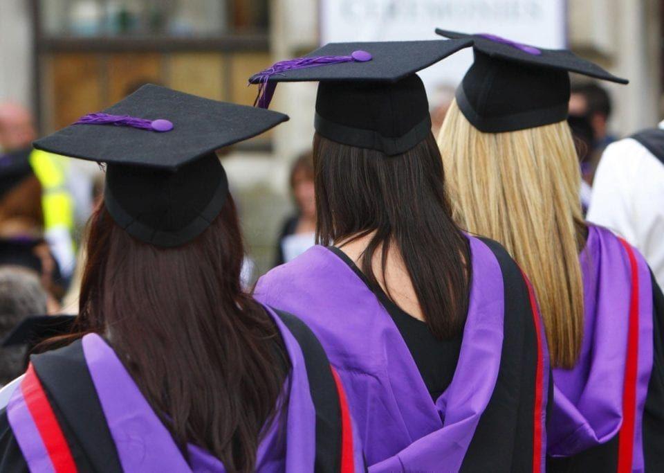 英国将恢复PSW签证 留学生毕业后可留英两年.jpg