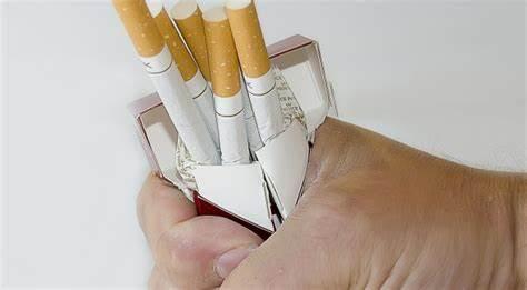 電子煙頻繁引發事故,老外又開始抽老式香煙了…….jpg
