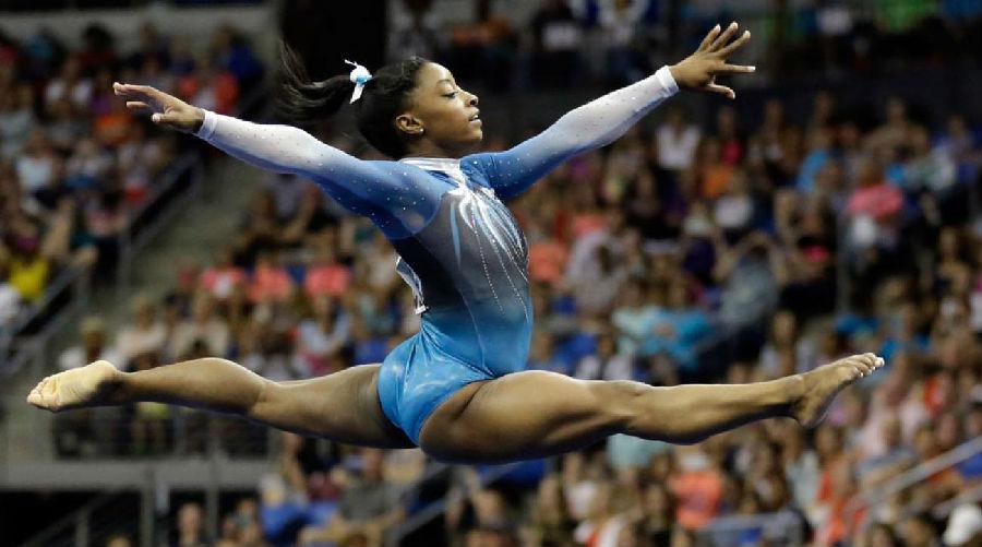 美国体操名将继续创造历史.jpg