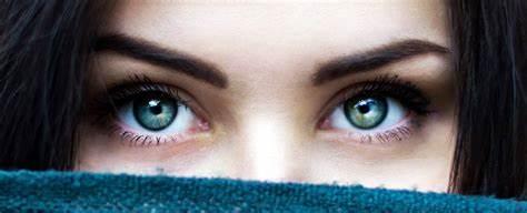 盯著你朋友的眼睛看10分鐘,會發生什么呢?.jpg