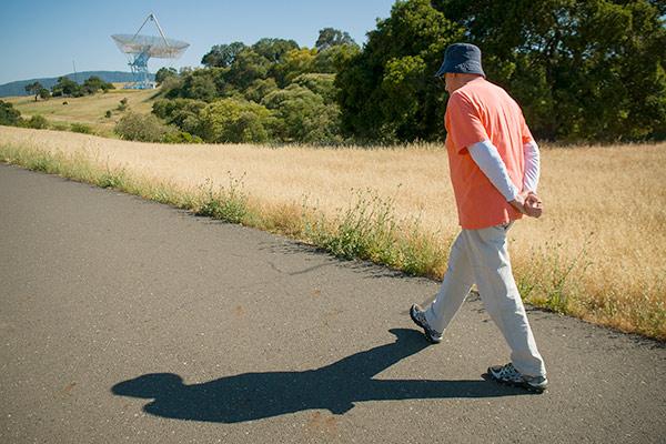 走路慢的人可能更容易老!.jpg