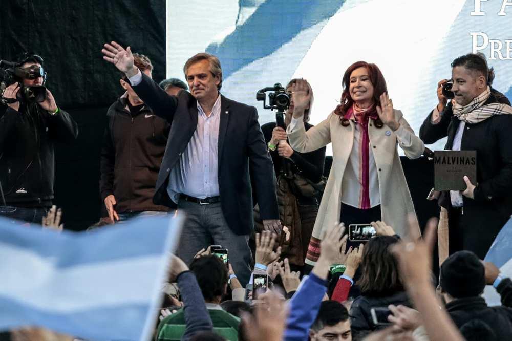 刚刚当选的阿根廷总统阿尔贝托与副总统克里斯蒂娜.jpg