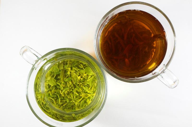 红茶和绿茶哪个更健康?.jpg