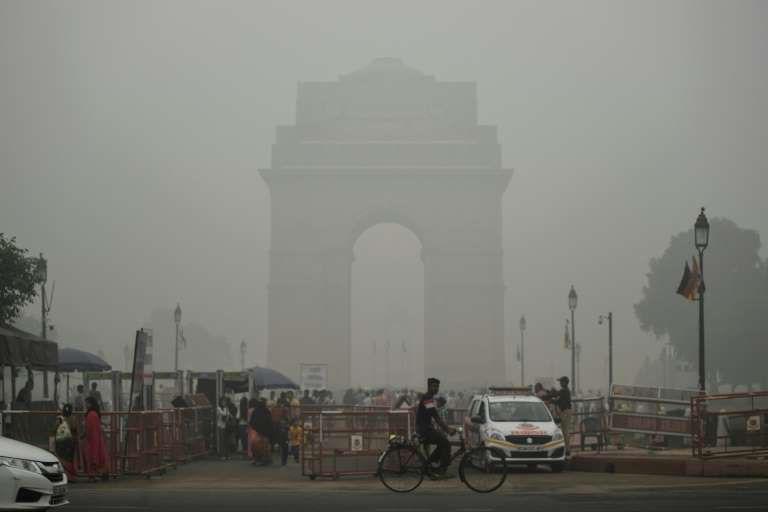 印度官员因雾霾问题相互指责.jpg
