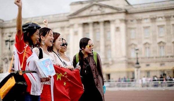中国赴美游客数量有所下降.jpg