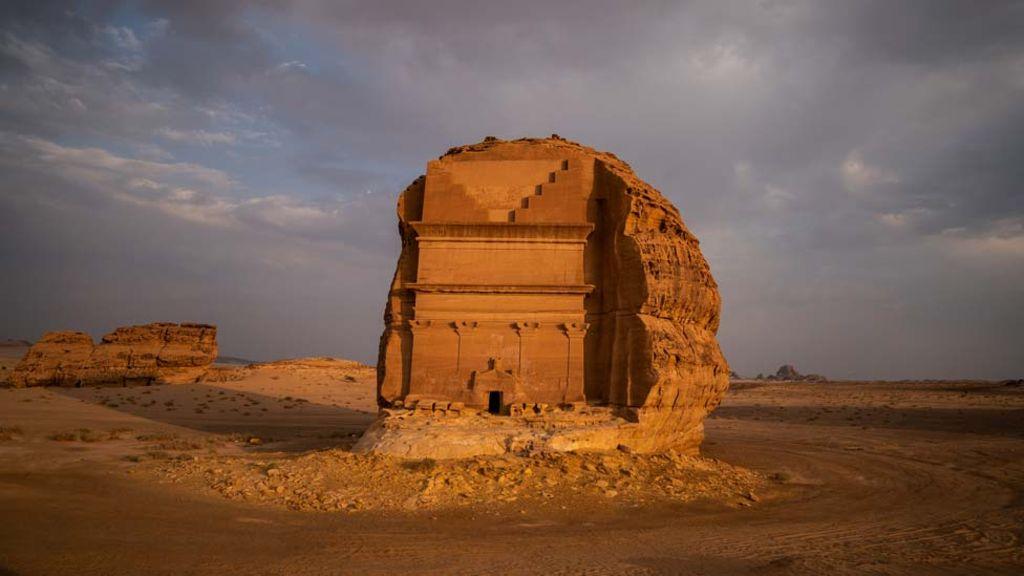 沙特首次向49个国家游客开放旅游签证.jpg