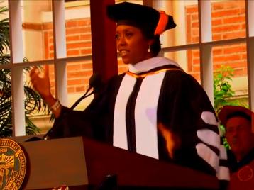 麦勒迪·霍布森2015南加利福尼亚大学毕业演讲