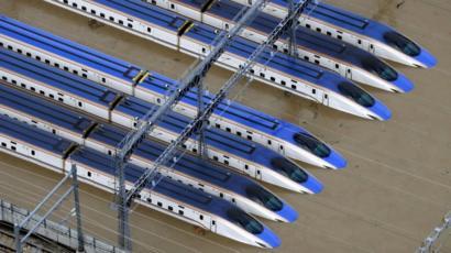台风过境 十辆新干线列车将被报废.jpg