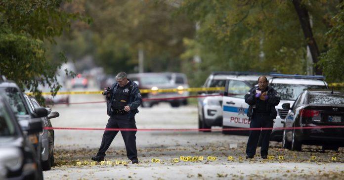 在紀念槍擊案遇難者的聚會上,竟又發生槍擊案!.jpg