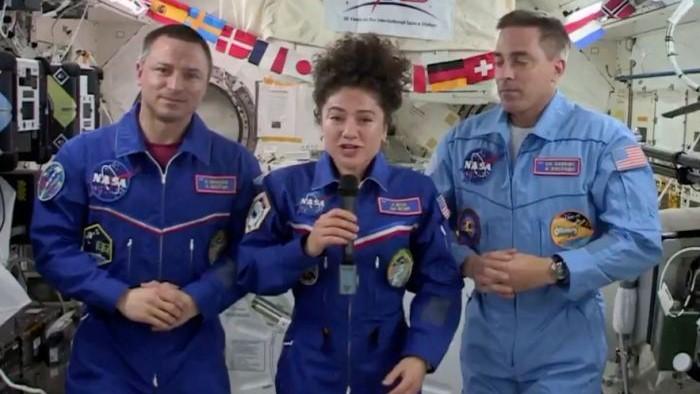 國際空間站三名宇航員返航后發現地球變了.jpg