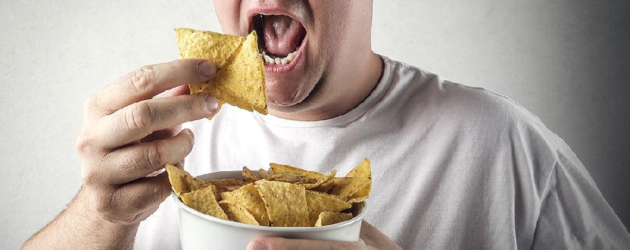 受不了别人吃饭吧唧嘴竟是恐音症.jpg