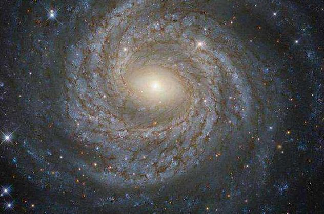 一對近乎孿生的星系.png