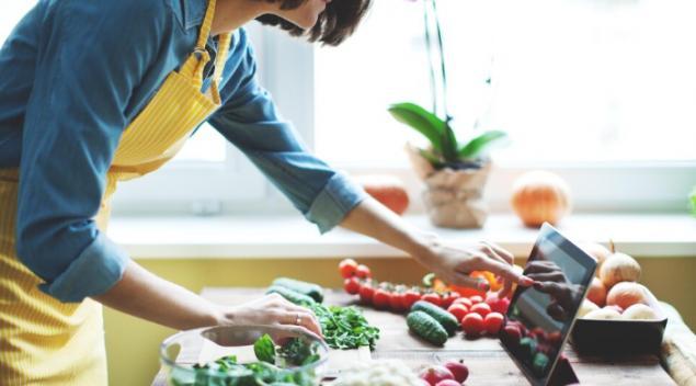 疫情期间人们的饮食更健康.jpg