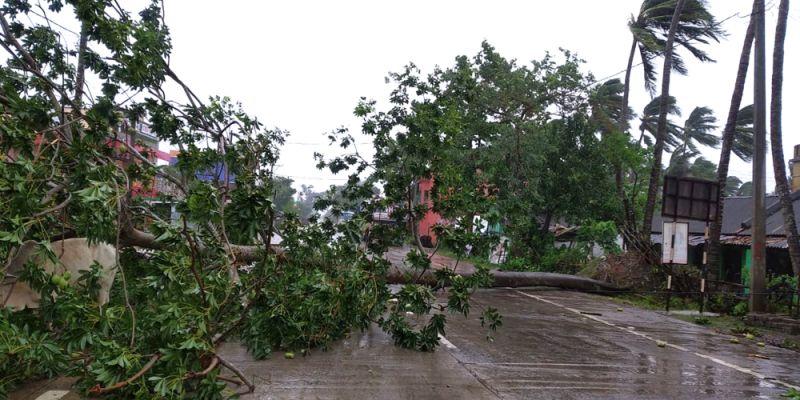 气旋安攀袭击印度和孟加拉国