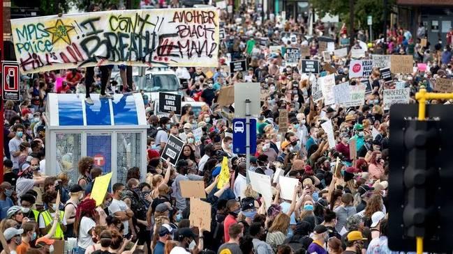 美国黑人之死引发抗议.jpg