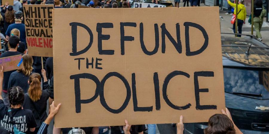 废除警察局与取消对警察的资金支持有何区别?(2).jpg