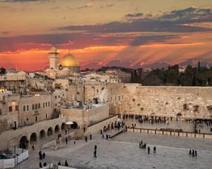 Hero-Jerusalem-Wailing-Wall-sunset-iStock-852178720_副本.jpg