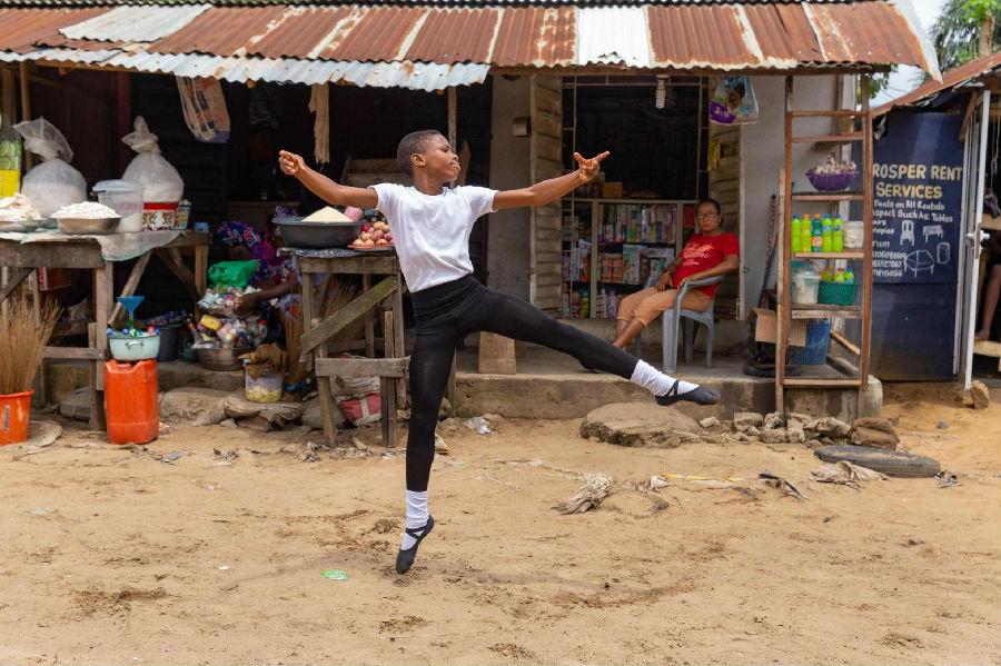 11岁芭蕾舞男孩走红