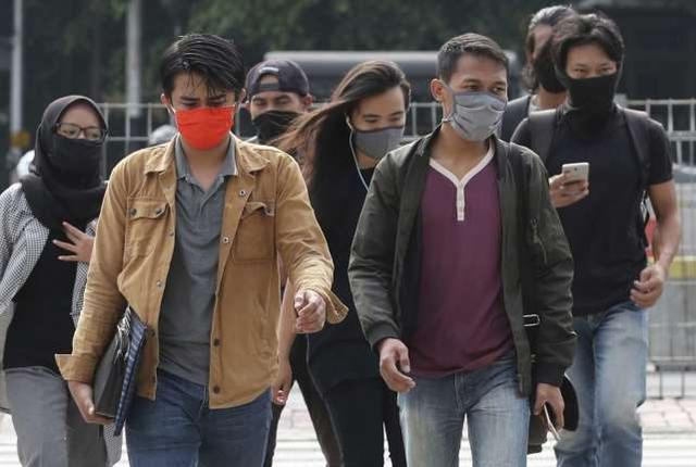 印尼疫情扩散医院人满为患.jpeg