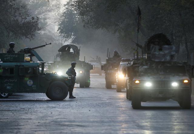 阿富汗喀布尔大学遭袭致22人遇难.jpg