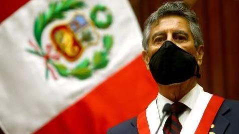 秘鲁新总统宣誓就职平息骚乱.jpg
