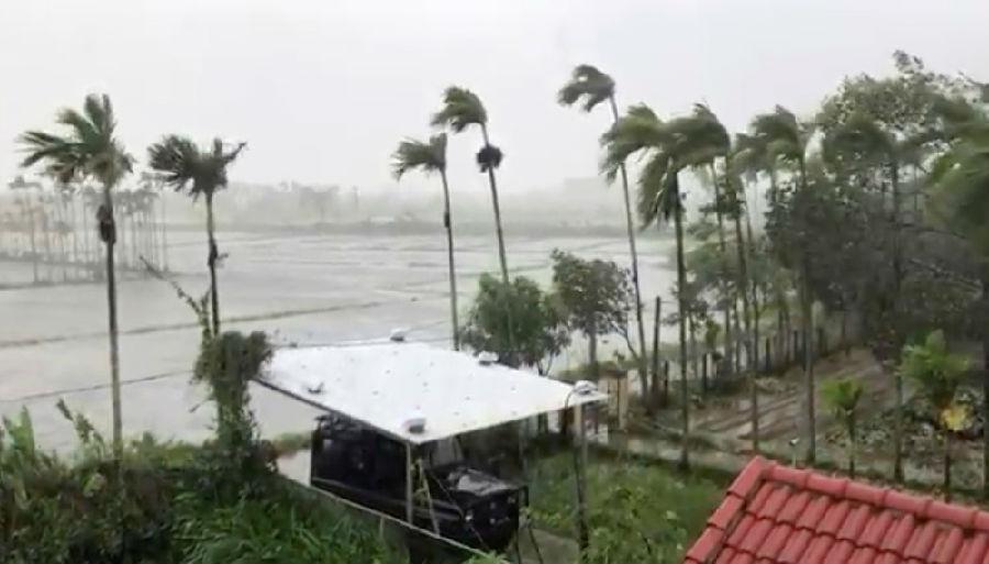 台风莫拉菲在越南造成破坏.jpg
