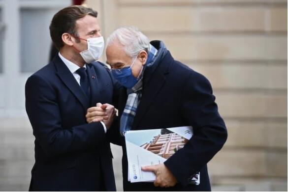法国总统马克龙确诊新冠肺炎.jpg
