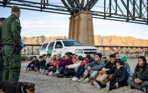 美墨边境被捕非法移民数量创20年新高.jpg