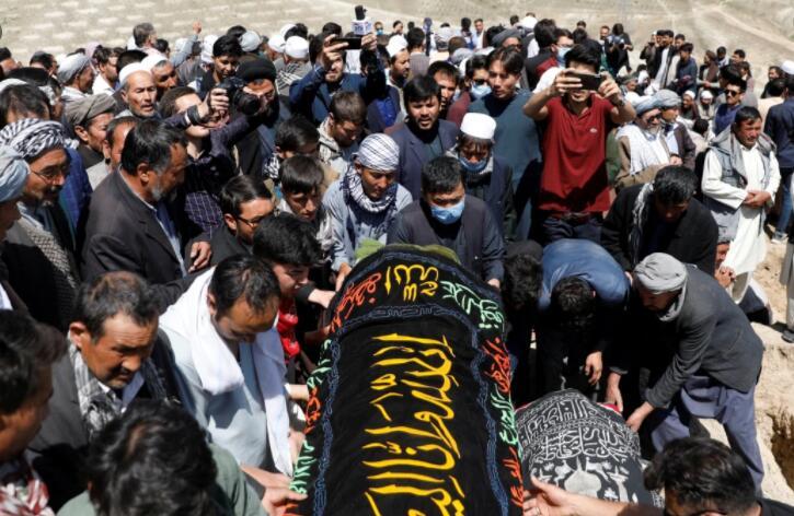 喀布尔女校遇袭塔利班宣布停火三日.jpg