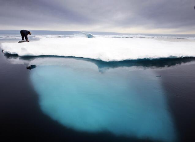 格陵兰岛因气候变化暂停石油勘探.jpg